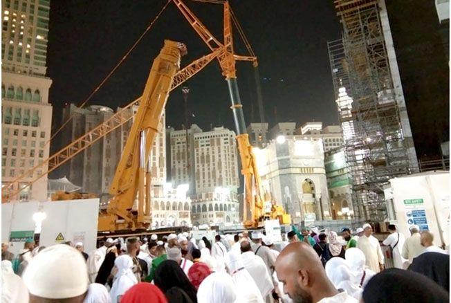 DIPERLUAS: Masjidil Haram terus diperluas. Salah satunya area tawaf bertingkat di sebelah timur Kakbah saat ini direnovasi.