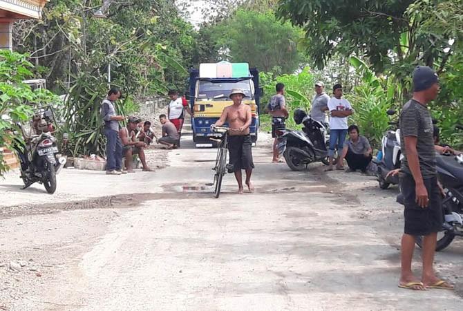 stop dump truck