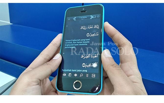 Aplikasi Alquran yang bisa diakses lewat Smartphone.