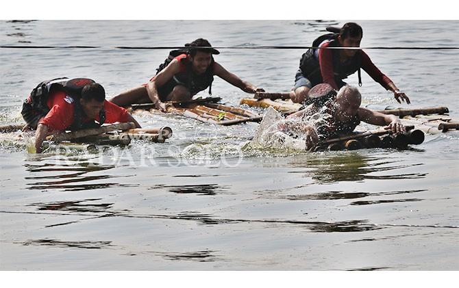Lomba Gethek di Rowo Jombor, Selasa (19/6).