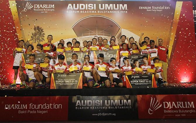 LEGA: Para peraih tiket emas Audisi Umum Djarum Beasiswa Bulutangkis 2018 di GOR RM Said, Karanganyar.