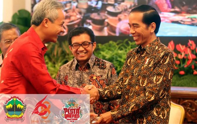 Gubernur Ganjar Pranowo saat menerima penghargaan dari Presiden Jokowi.