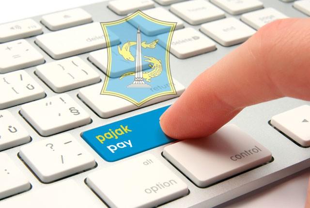 ilustrasi bayar pajak dengan perangkat digital