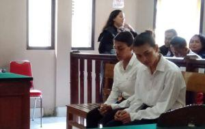 Aniaya Bule di Canggu, Dua Waria Diadili