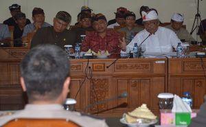 Bahas Pungli, Dewan Bali Undang Tokoh, MUDP, dan Polda. Hasilnya..