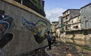 Keren! Dinding Tukad Badung Dihias Gambar Kura-Kura dan Ikan 3D