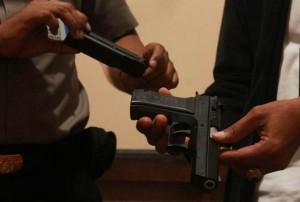 """Usai Todongkan Pistol, Ini Aksi """"Koboi"""" saat di Hay Kafe"""