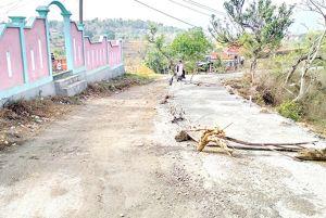 Permintaan Perbaikan Jalan Rusak Tak Kunjung Direspons Pemerintah
