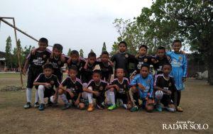 Bintang Mas Bidik 8 Besar DM Cup