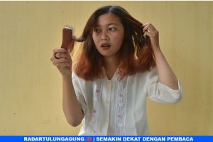 Ada Dua Penyebab Rambut Kering Menurut Hairstylist