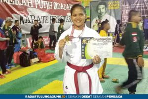Dari Karate, Riska Yuliastutik Ukir Prestasi hingga Tingkat Jawa Timur