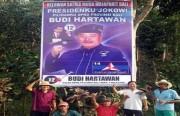 Caleg Demokrat Pasang Wajah Jokowi di Baliho, KPU: Turunkan Segera!