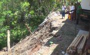 Tanah Longsor, Jineng dan Tembok Penyengker Milik Warga Melaya Amblas
