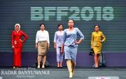 Meriahnya Banyuwangi Fashion Festival, Staf Koperasi Jadi Model