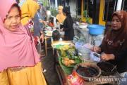 Pasar Kuliner Kemiren Sediakan Kue dan Makanan Tradisional Segar