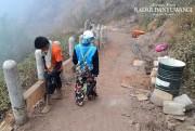 Ide Brilian, Jalur Pendakian ke Kawah Ijen Dibangun Pagar Pembatas