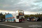 Bus Bergambar Gandrung Berseliweran di Jalanan London