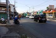 Desak Pasang Warning Lamp di Simpang 3 Sukorejo