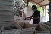 Begini Geliat Kerajinan Spanram di Sumberglagah di Rembang