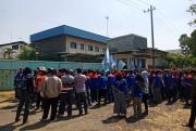 Buruh Pabrik Kulit di Purwosari Tuntut Gaji yang Belum Dibayar 3 Bulan