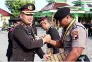 Hari Pahlawan, Kapolres Beri Penghargaan kepada Anggota Berprestasi