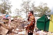 Bayar Mahal, Wisatawan Telaga Sarangan Diberi Bonus Bau Sampah