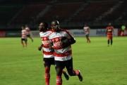 Gomes Siap Push Up Kembali untuk Greg Nwokolo