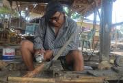Berbincang dengan Seorang Empu Keris di Desa Aeng Tongtong