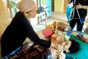 Tiga Bulan Rizal Terbaring Lemah karena Kanker Tulang