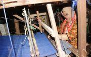 Tilik Kembang Desa, Bupati Yuni Ingin Gali Potensi Batik Tenun