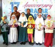 Suka Warna Biru, Syifa Juarai Lomba Menulis di Radar Surabaya