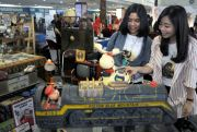 Pameran Barang Antik di Surabaya Tarik Minat Para Milenial