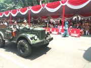 Peringati Hari Pahlawan dengan Jeep Kuno