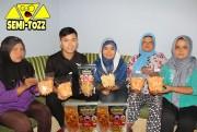 Pemberdayaan KWT Dewi Mulya bersama Mister Keripikz Blitar