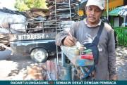 Pembukaan Police Line Pasar Pon Membawa Berkah bagi Tukang Rongsok