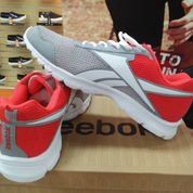 2162d59ab23c sneakers reebok classic