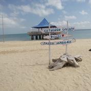 Wisata Tour Pantai Sembilan Pulau Giligrenting