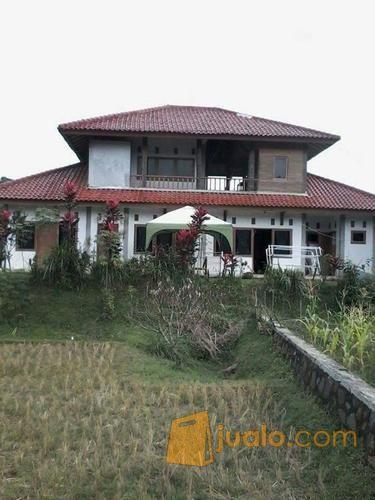 villa 2 lantai luas tanah 6700 m2 daerah wanayasa