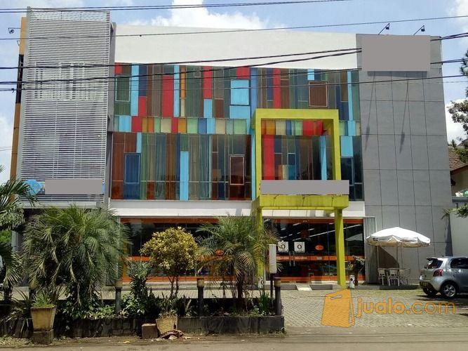 gedung 4 lantai utk usaha bisnis dagang kantor mall supermarket hotel di daerah cipayung,jakarta timur