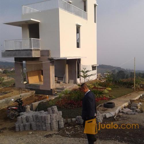 villa mewah dg panoramanya yg indah dankesejukn udaranyayg alami