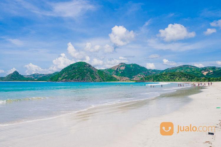 tanah cantik dan strategis tepi pantai selong belanak lombok