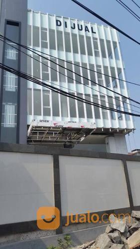 gedung pramuka raya 759m 5,5 lantai, komersil