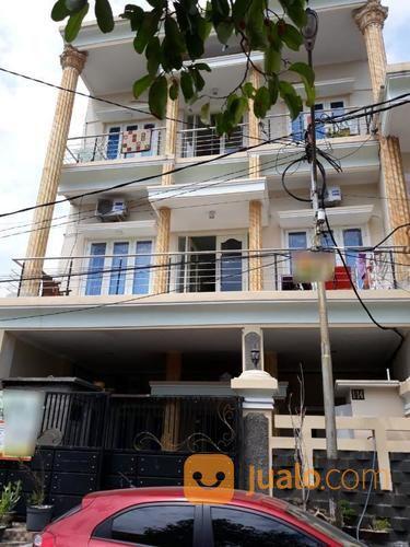 rumah kos kosan aktif 3 lantai , kondisi bagus dan terawat, lokasi strtegis, surabaya