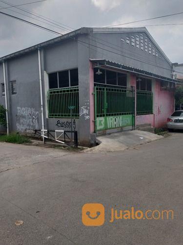 gudang tempat usaha tempat acara parkiran kelapa dua depok