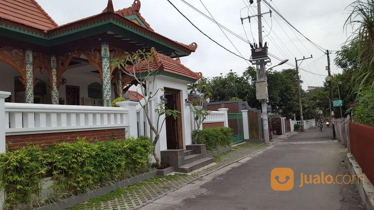 rumah jawa guest house syariah