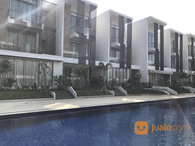 limited.. posisi hoek selatan rumah town house seafront ancol