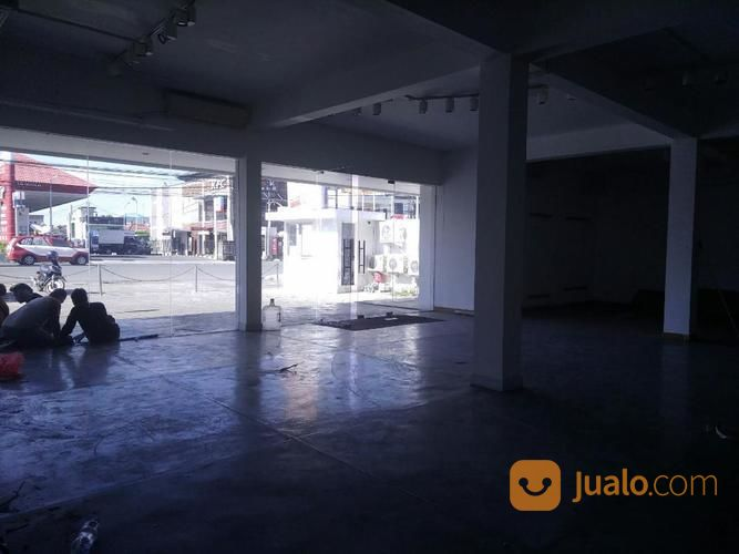 showroom at teuku umar denpasar