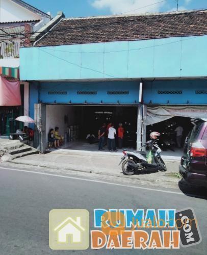 toko bangunan plus gudang masih aktif - tempat strategis dan prospek