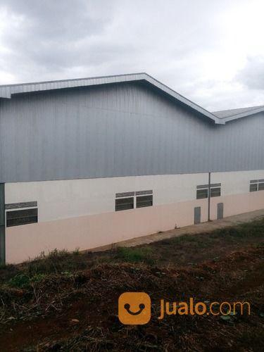 bangunan untuk pabrik atau gudang