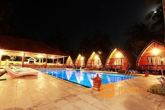 resort cantik hanya 100 meter dari pantai gili air lombok